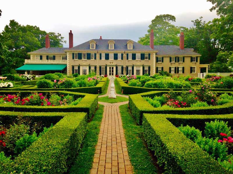 Elaborate formal gardens at Hildene