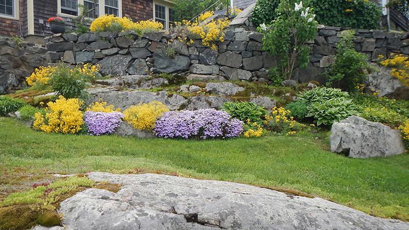 Rock garden on the New Castle Home & Garden Tour